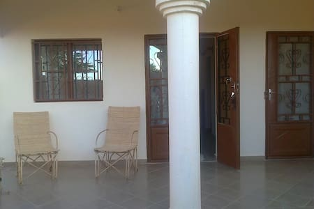 Chambre  jaune - Segou - Bed & Breakfast