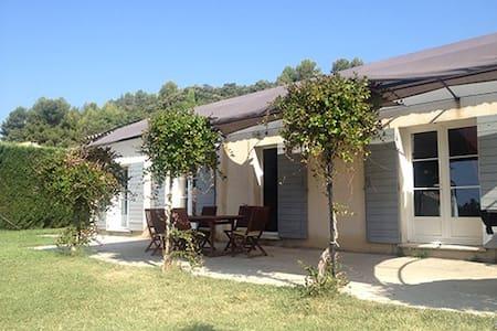 Villa avec piscine  sud Luberon - Rumah