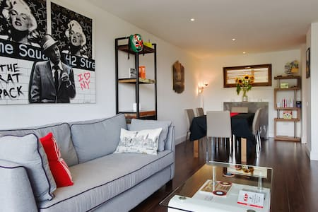 Stylish flat w/ balcony Shoreditch
