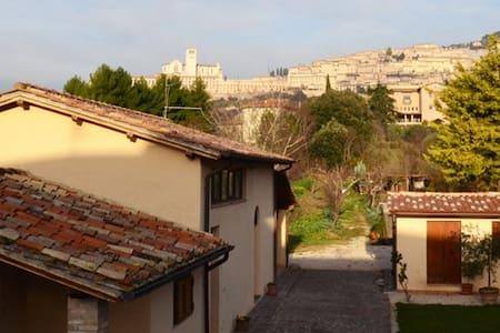 Farmhouse  All' Antica Mattonata - Assisi - Apartment