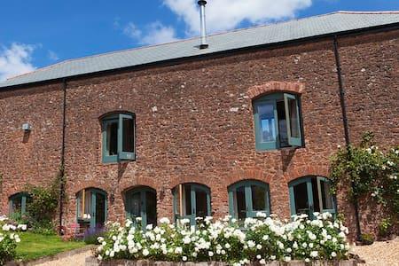 West Garden Apartment in Cider Barn -1 Bed - Runnington