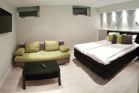 Luxury rooms near Amsterdam - Westzaan - Dom