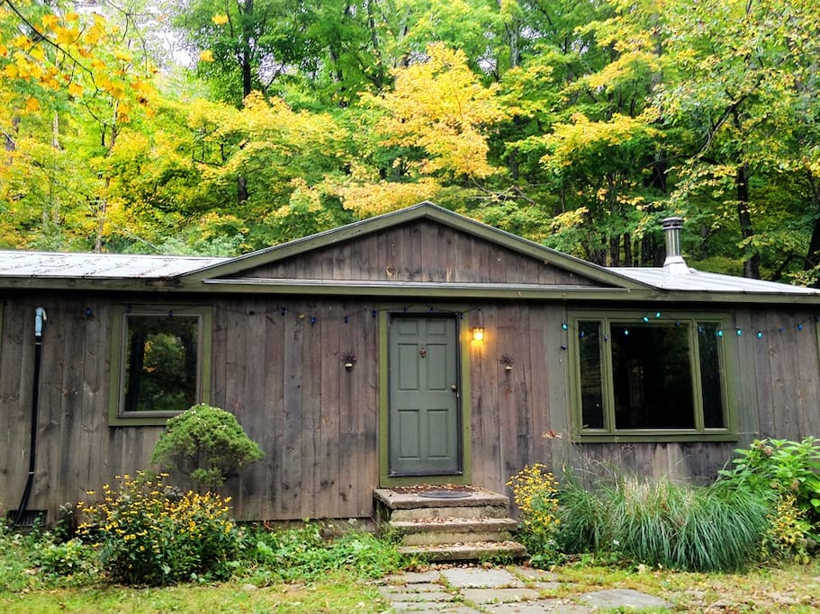 Catskill Cottage in the Mountains
