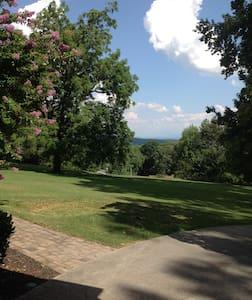 Walnut Grove Guest House - Knoxville - Casa de huéspedes