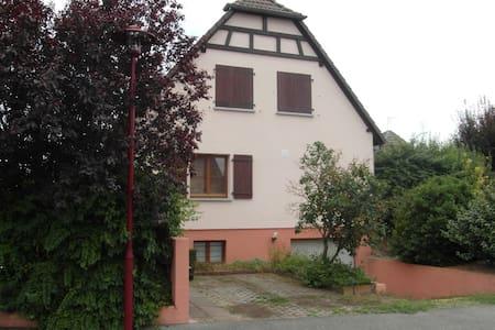 Haus mit Terrasse und Garten - Algolsheim - Talo