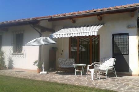 Casina indipendente con giardino - Pistoia - Cabin