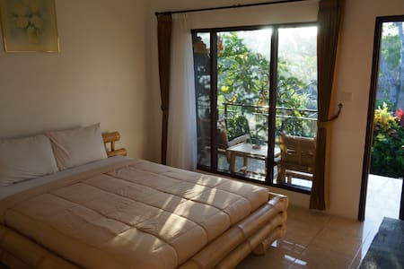 Willy Homestay bed & breakfast in Balangan Bali - Jimbaran - Bed & Breakfast