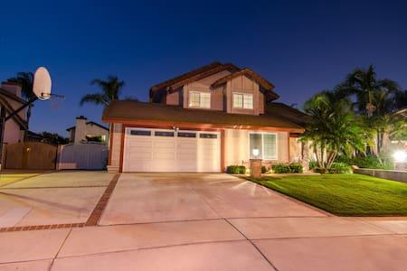 Spacious 3.5 Br 2.5 Bth Home - Haus