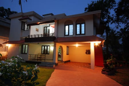Goku's Homestay,Near Alleppey beach - House