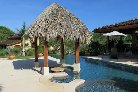 Paraiso Suizo, Playa Negra (Iguana) - Los Pargos - Cabana