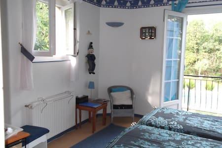 La Maison du Cadran Solaire - Mazamet - Bed & Breakfast