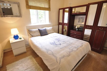 Cosy dbl room in Limehouse (TA5)
