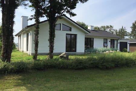 Luksus villa ned til Roskilde Fjord - Casa