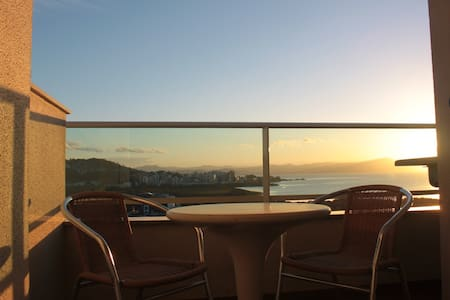 One bedroom with a stunning view, perfect location - Florianopolis - Lägenhet