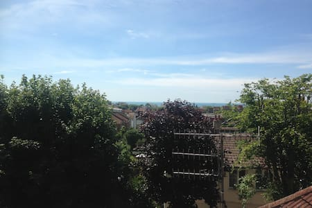 Open-plan, flat with plenty of natural light. - Hove - Apartment