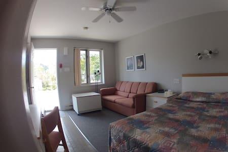 Chambre privée de type Motel - Tadoussac - Jiné