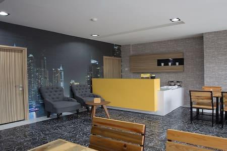 Lite Rooms Kebagusan City, Tb Simatupang - Wohnung