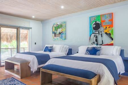 Blue Apple Beach House - Guama Island Hotel Room - Rumah