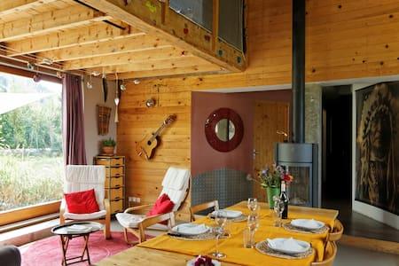 Grand chalet écologique 11 pers - House