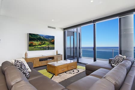 Finally, you've found it. The ultimate in Quality, Convenience and yes - 5 King-sized bedrooms.  No expense has been spared:   * 80 inch Ultra HD TV with Netflix, Foxtel Movies, Fox Sports and Entertainment channels + 5 x 50 inch Smart TV's