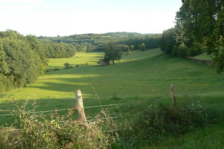 Correze B&B Monedieres; lovely view - Bed & Breakfast