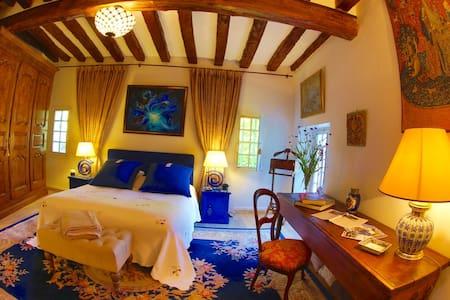 La chambre Tristan et Iseult - Bed & Breakfast