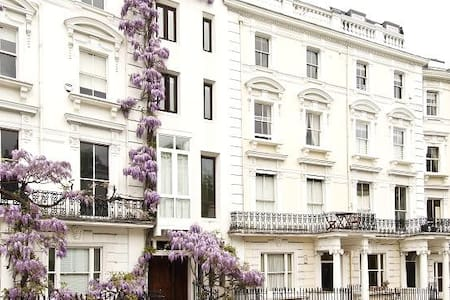 Studio/Private Room in Notting Hill