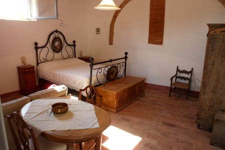 Tuscany Chianti, Rustic room + bath - Barberino Val d'Elsa - Apartment