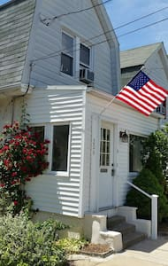 Cozy Colonial Close to Train - Ardmore - Maison