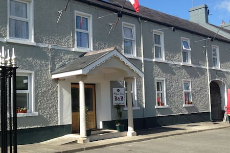 Bed and Breakfast Strokestown