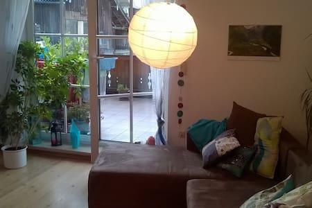 Schöne, helle Wohnung im Zentrum - Condominium