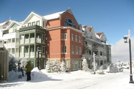 Superior Snowshoe Village Studio - Condominium