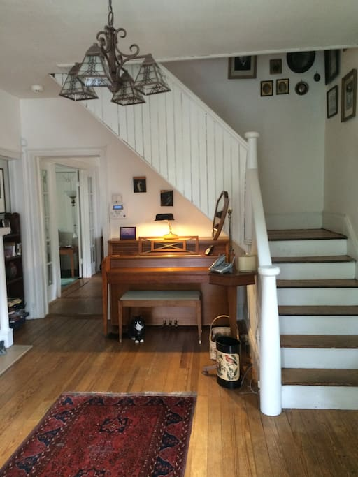 Foyer, feel free to play the piano