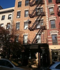 Chic 1-BR in heart of east village