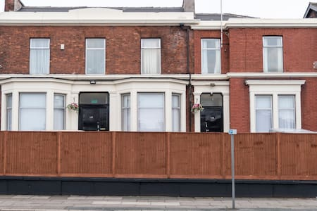 Bed & Bath - Liverpool - House