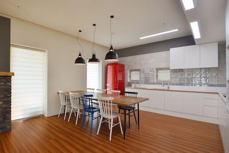 Sopoong Share House [Single Room]