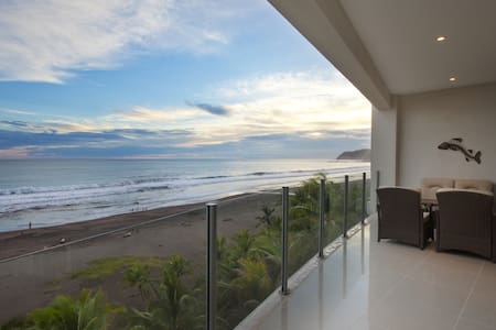 Beachfront penthouse in Jaco