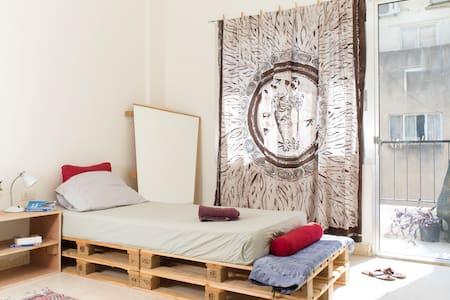 Cosy, Calm & Central - Apartemen