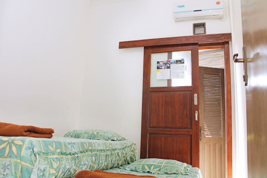 Boma House AC Twin Bed+Breakfast