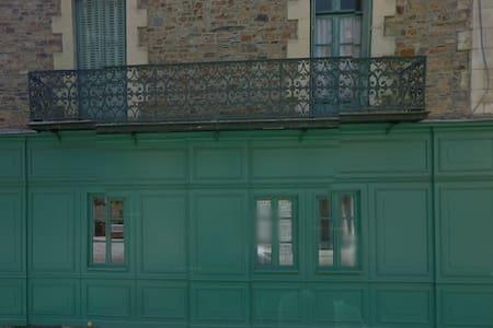 Maison Pasteur Chambre RdC - Hus