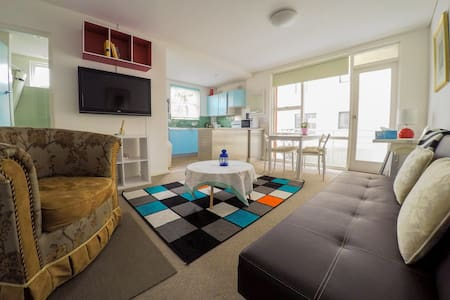 Manly-2 bed rooms beachside+parking - Daire