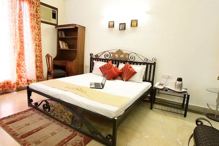 Luxurious Serviced Rooms City Centr - Gurgaon - Bed & Breakfast