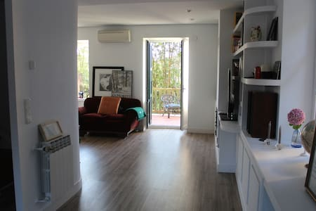 Small double room in centric villa2