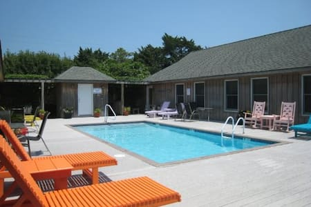 Ocracoke Cabana with Pool - House