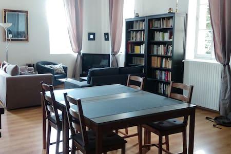 Bel appartement Abbaye aux Hommes - Apartament