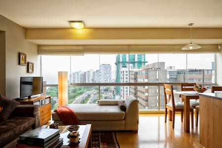 Cozy, tastily decorated and fully furnished duplex with wonderful ocean view. At a delightful walking distance from Larcomar and all the fun of Miraflores, as well as close to Barranco. Managed, rented and maintained directly by careful owner.