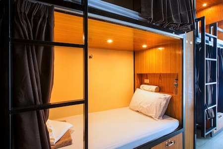 Single Pod in a 20 Bed Dormitory
