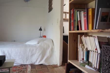 Chambre dans mas authentique