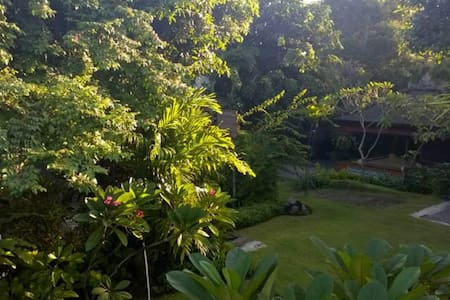 Canang Sari Homestay a Secret Garden ~ Ngurah - Bed & Breakfast