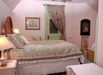 Historic B&B in Spring City, Utah - Bed & Breakfast